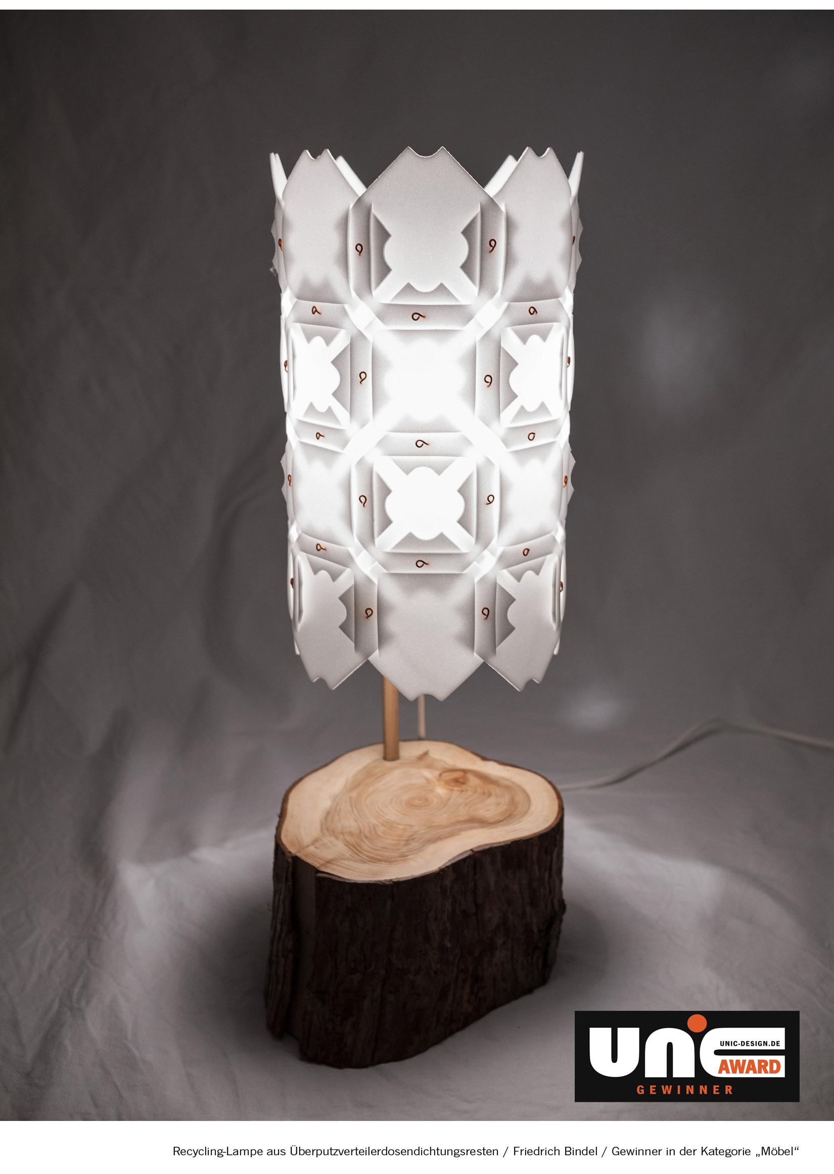Bild von Lampen aus Recyclingmaterial